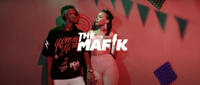DOWNLOAD VIDEO Achillian Ft The Mafik - GO DOWN
